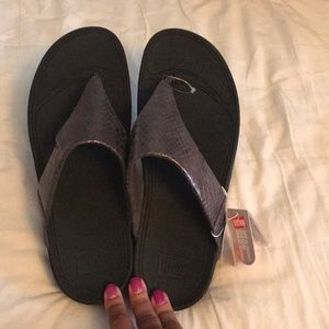 NWT Fitflop grey metallic